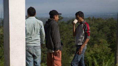 Muchos de los miembros de Vacilarte, procedentes de una de las comunidades de asfalto